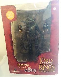 Lord of the Rings The Two Towers Treebeard with Merry & Pippin Action Figure